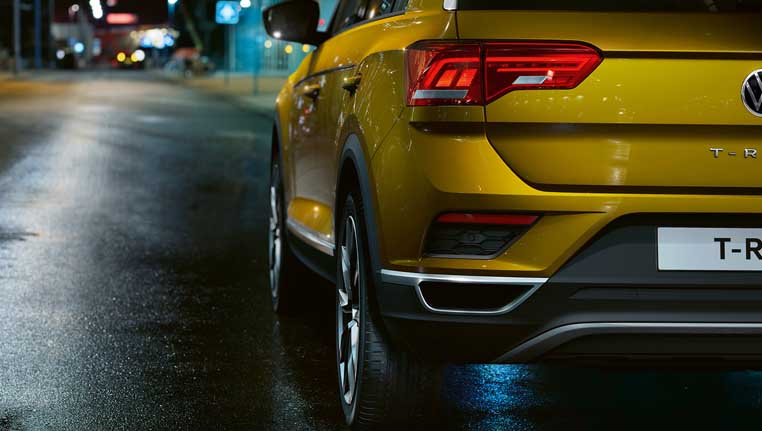 VW T-Roc image from the back